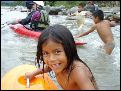 Kids on the Misahualli.