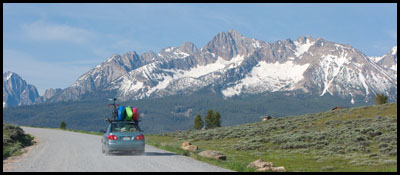 car_kayaks_Sawtooth_Mountains_ Stanley_Idaho.