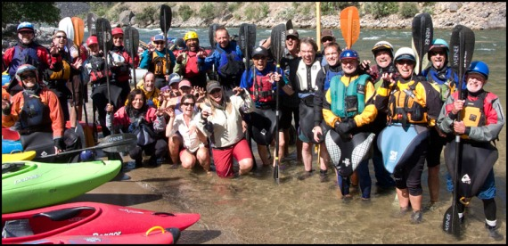 Group_kayakers_take_out