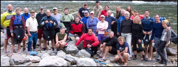 Group_kayakers_take_out_Idaho