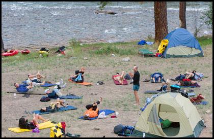 Yoga_group_river_trip_Middle_fork_salmon_Idaho_kayaking