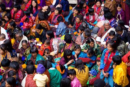 Crowd_festival_Jakar_Dzong_Bhutan.