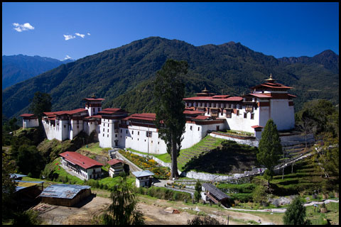 Dzongs_Trongsa_fortresses_monasteries_Bhutan