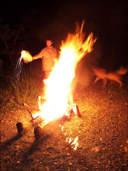 Effegy_burning_new_year_Ecuador