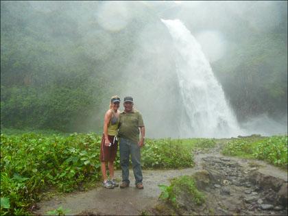 Kayak_trip_waterfall_rio_malo_Ecuador