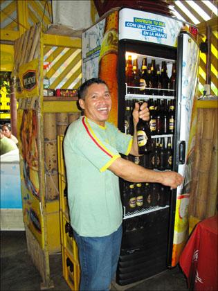Ecuador_cold _beer_smiling