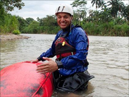 Kayaker_smiling_wet_exit_rio_Tena_Ecuador