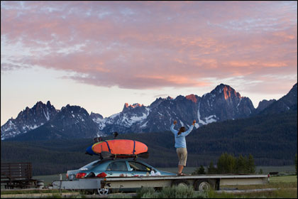 Mary_dancing_sawtooths_kayaks_Stanley