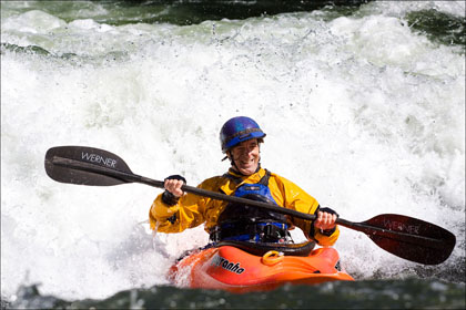 Kayaker_surfing_smile_Marble_Middle_Fork_Salmon_Idaho