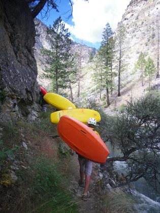 kayakers_hiking_big_creek