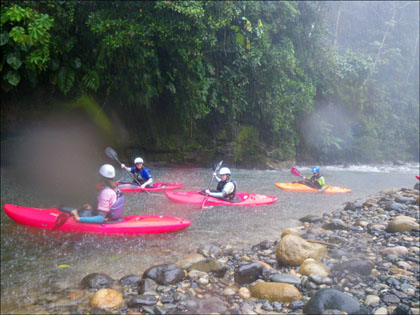 Kayakers_rain