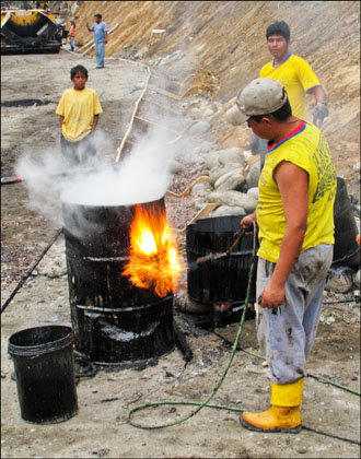 Barrel_Tar_Flame_Worker