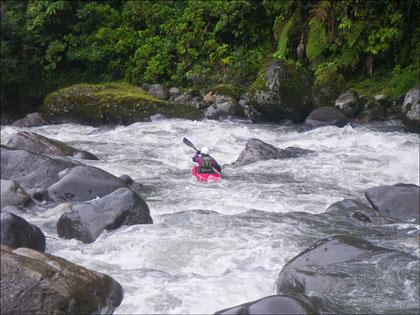 Mary DeRiemer_Cosanga_Ecuador_kayaking