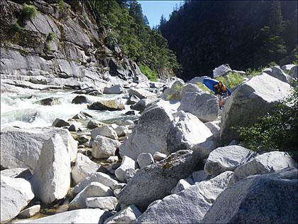 Kayaker_protaging.