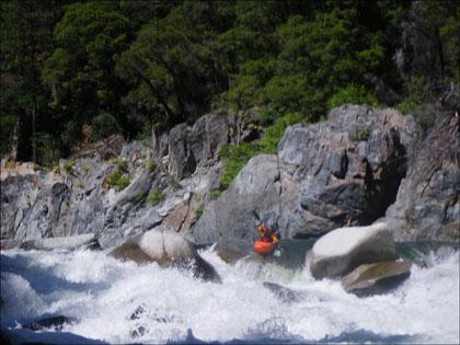Kayaker_boof