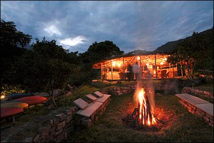 Base camp_fire_Mo_Chu_Bhutan