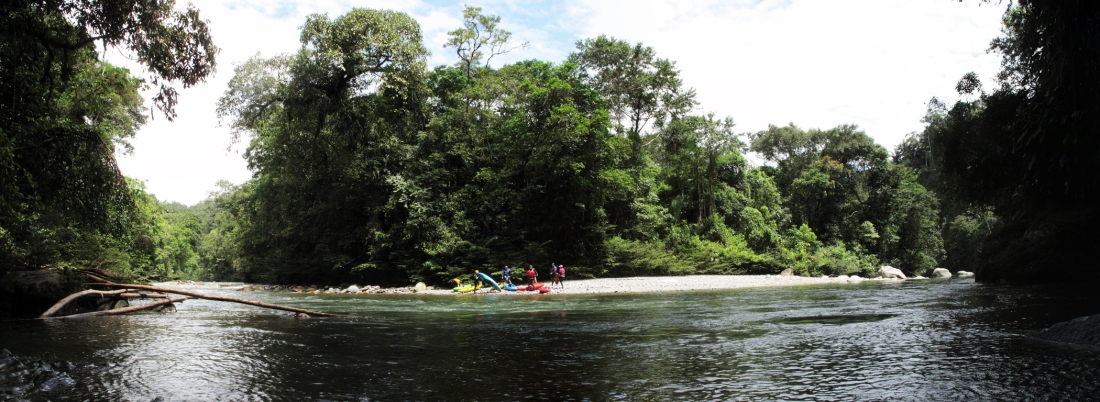 Jondachi River_Ecuador_kayakers