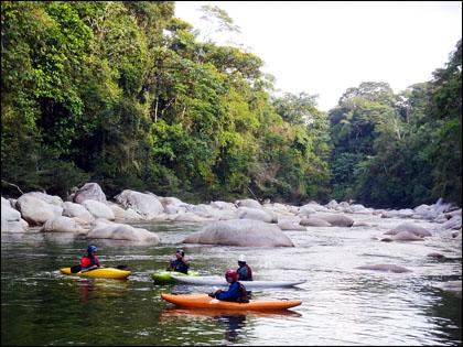 Kayakers_Rio Piatua_Ecuador.