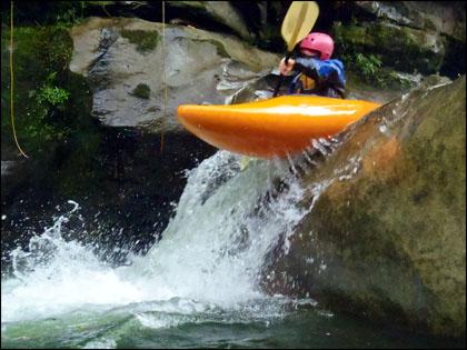 Jondachi River_kayaker_Ecuador