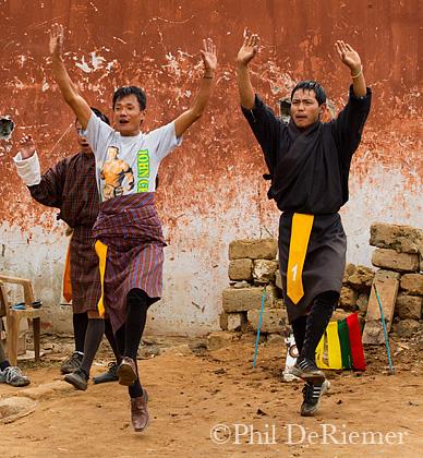 Dance_darts_Bhutan