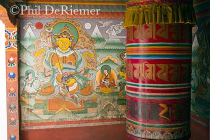 Prayer_Wheel_Mural_Bhutan