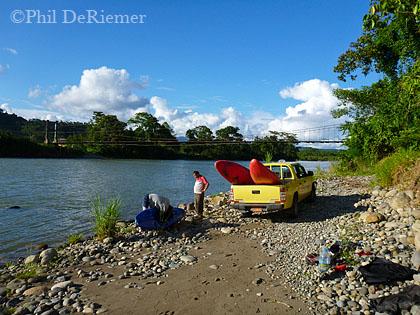 Tak out_Anzu river_Ecuador.
