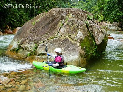 Mary_DeRiemer_kayak_Ecuador