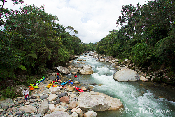 Kayakers_Misahualli_Ecuador