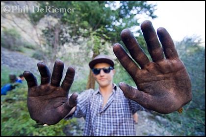 Charcoal_hands