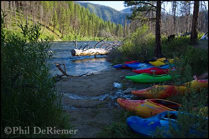 kayaks_beach_camp