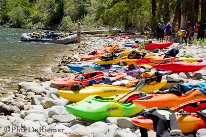 kayaks_rafts_lunch
