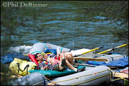 couple_realx_raft_river
