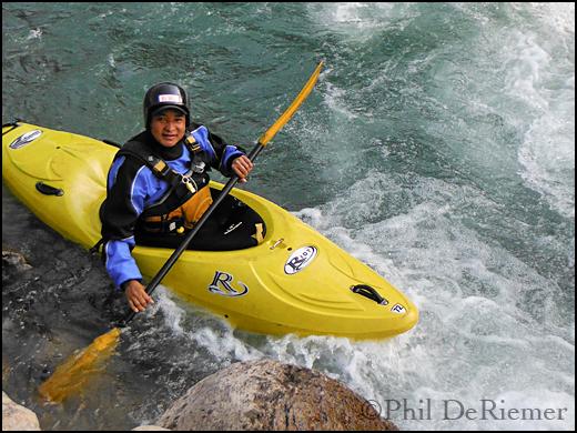 Kayaker_Nepali_Bhutan
