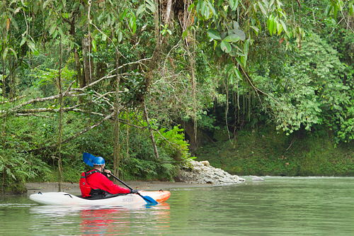 kayaker_Tutanangosa_Ecuador_Jungle