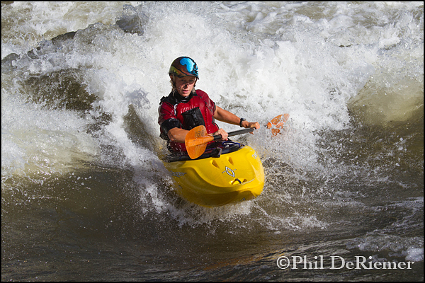 Female_surfing_Marble_kayak