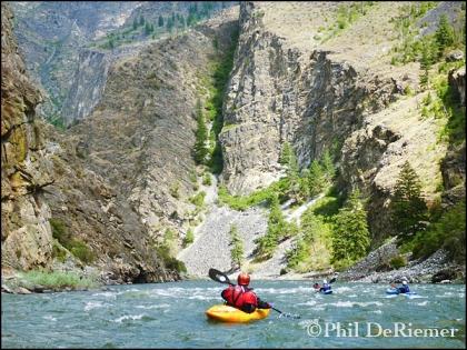 kayaker_canyon_scenery.