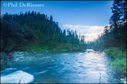 River_morning_light