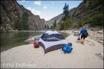 Tent_beach_camper_Salmon