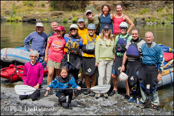 group_rafters_kayakers_rogue
