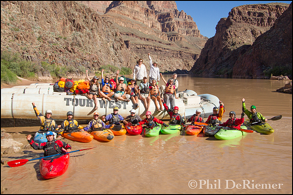 Group_rafters_Kayakers_Grand_Canyon