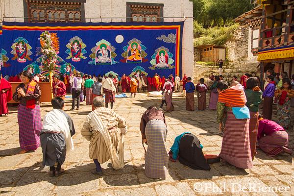 worship_paro_tangka_Bhutan