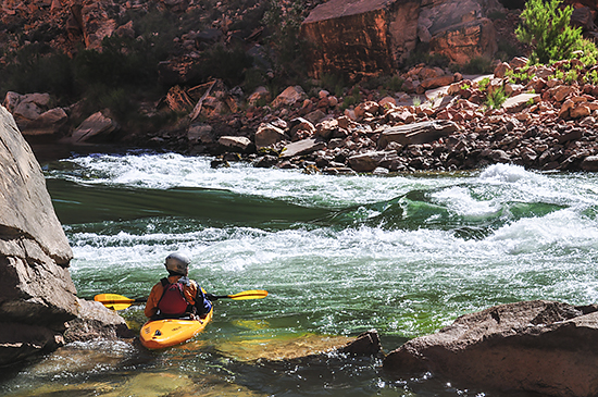 kayaker_grand_Canyon_eddy