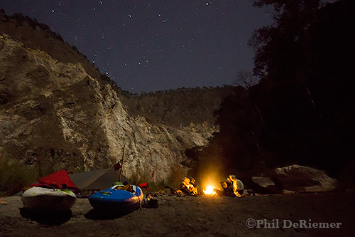 Clear night in the Kuri Chu canyon.