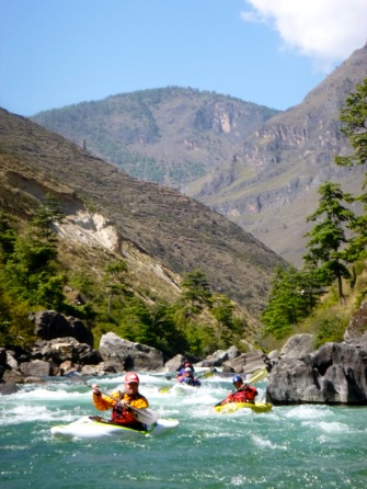 Kayakers_Bhutan